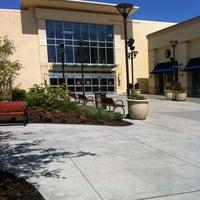 Foto tirada no(a) Tacoma Mall por Patricia D. em 5/11/2012