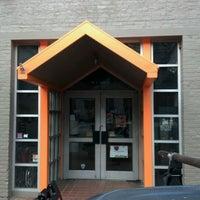 Foto tirada no(a) Artspace Visual Arts Center por Crash Gregg em 1/26/2012