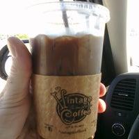 Das Foto wurde bei Vintage Coffee von Jason M. am 9/26/2011 aufgenommen