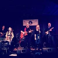 Foto diambil di Wild Tymes Sports & Music Bar oleh Garrio H. pada 4/1/2012