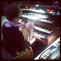 รูปภาพถ่ายที่ Sip 'n Dip Lounge โดย Donnie C. เมื่อ 4/12/2012