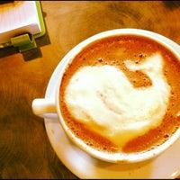 Photo prise au Chazzano Coffee Roasters par Melissa B. le6/12/2012