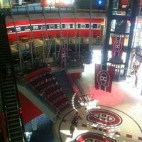 Das Foto wurde bei Forum Sports Bar von JEN N. am 9/3/2012 aufgenommen