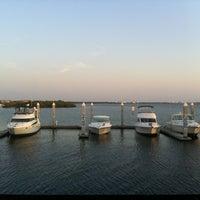 รูปภาพถ่ายที่ Hula Bay Club โดย Rick W. เมื่อ 6/14/2012