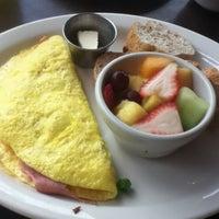 Das Foto wurde bei Tiago Espresso Bar + Kitchen von Marcia Z. am 6/5/2012 aufgenommen