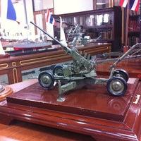 Снимок сделан в Ministry of Defence Library пользователем Aey P. 4/25/2012