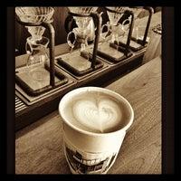 Foto scattata a Ritual Coffee Roasters da Victoria N. il 9/4/2012