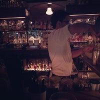 Photo prise au Oldfield's Liquor Room par Dave B. le9/3/2012