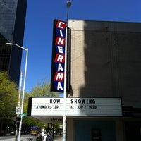 Foto scattata a Cinerama da Roy P. il 5/6/2012