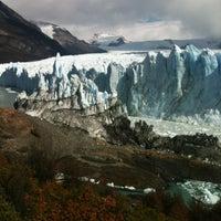 Foto tomada en Administración Parque Nacional Los Glaciares por Adrian G. el 3/18/2012