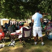 Das Foto wurde bei West End Park von LeAnne D. am 5/19/2012 aufgenommen