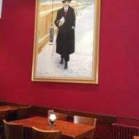 Das Foto wurde bei Café Einstein von Joerg Kurt W. am 7/22/2012 aufgenommen