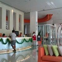 12/30/2011にM REZAがHARRIS Hotel Batam Centerで撮った写真