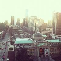 รูปภาพถ่ายที่ Rosewood Hotel Georgia โดย Vanessa C. เมื่อ 3/22/2012