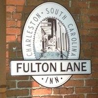 Foto diambil di Fulton Lane Inn oleh Josh J. pada 2/19/2012