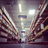 รูปภาพถ่ายที่ The Home Depot โดย Park S. เมื่อ 1/28/2012