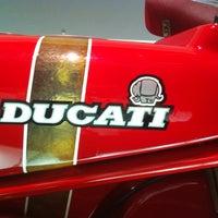 Foto tirada no(a) Ducati Motor Factory & Museum por Anton M. em 6/19/2012