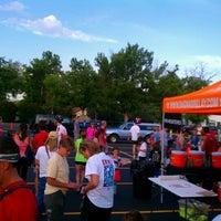 Foto diambil di Lucky Pie Pizza & Tap House oleh BoulderRunner pada 5/18/2012