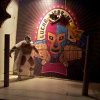 Foto tirada no(a) Tacos A Go-Go por Jonathan B. em 10/28/2011