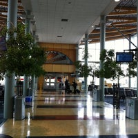 Photo prise au Victoria International Airport (YYJ) par Shane H. le9/22/2011
