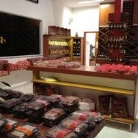 Foto tirada no(a) Loja da Fábrica Claids Biscoitos por Priscilla M. em 4/29/2012