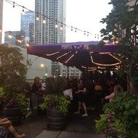 Das Foto wurde bei The Purple Pig von Courtney M. am 7/11/2012 aufgenommen