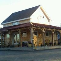 รูปภาพถ่ายที่ Red Barn Coffee At Angel's Cafe โดย James B. เมื่อ 4/6/2012