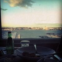 Foto scattata a Seaport Hotel & World Trade Center da Tiffany il 9/10/2012