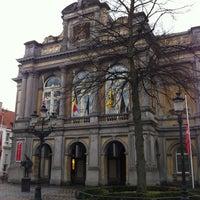 Foto diambil di Stadsschouwburg oleh Peter B. pada 3/18/2012