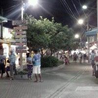 Foto tirada no(a) Calçadão de Porto de Galinhas por Hector Alejandro C. em 8/15/2012