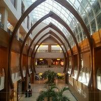 Foto tomada en 360° Mall por DJ E. el 6/16/2012