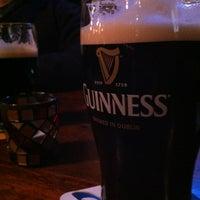 Foto tirada no(a) Neir's Tavern por Peter S. em 2/10/2012