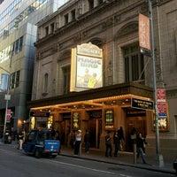 Foto diambil di Longacre Theatre oleh kato s. pada 5/12/2012