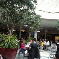 Foto tirada no(a) Tacoma Mall por Mike G. em 4/28/2012