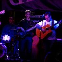 รูปภาพถ่ายที่ The Pour House Music Hall โดย Tamara N. เมื่อ 1/21/2012