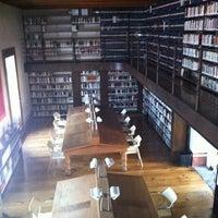 Foto tomada en Profética - Casa de la Lectura por Fer Chinos el 9/27/2011