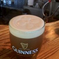 Foto tirada no(a) The Irish Pub por Jim S. em 12/2/2011