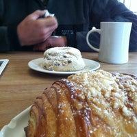 Foto scattata a Little t American Baker da Sandra C. il 7/1/2012