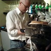 Das Foto wurde bei Al Cafetero von Adam D. am 10/25/2011 aufgenommen