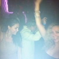 Das Foto wurde bei Spazio Nightclub von Gerardo M. am 7/30/2011 aufgenommen