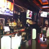 Foto diambil di The Irish Pub oleh Roland D. pada 10/30/2011