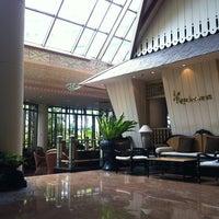 Foto diambil di Le Méridien Jakarta oleh Yusuf F. pada 9/10/2012