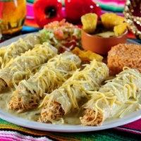 5/18/2011にgabriela b.がTotopos Gastronomia Mexicanaで撮った写真