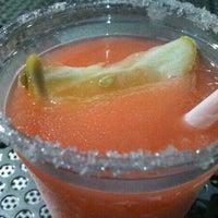 รูปภาพถ่ายที่ Mother Burger โดย Elena H. เมื่อ 5/23/2012