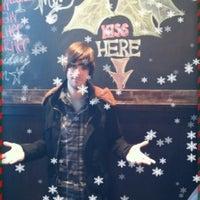Снимок сделан в Wellman's Pub & Rooftop пользователем Drew V. 12/24/2011