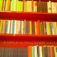 Das Foto wurde bei Piola Libri von Denis B. am 6/13/2012 aufgenommen