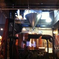 Foto tomada en Great Divide Brewing Co. por Andrea S. el 12/4/2011