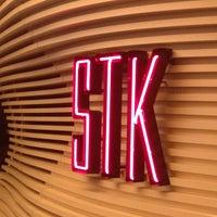 Foto tirada no(a) STK por Nic H. em 8/7/2012