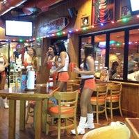 Foto tomada en Hooters por Javier R. el 7/23/2012
