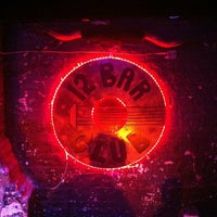 Foto tirada no(a) 12 Bar Club por Benedict S. em 9/8/2012